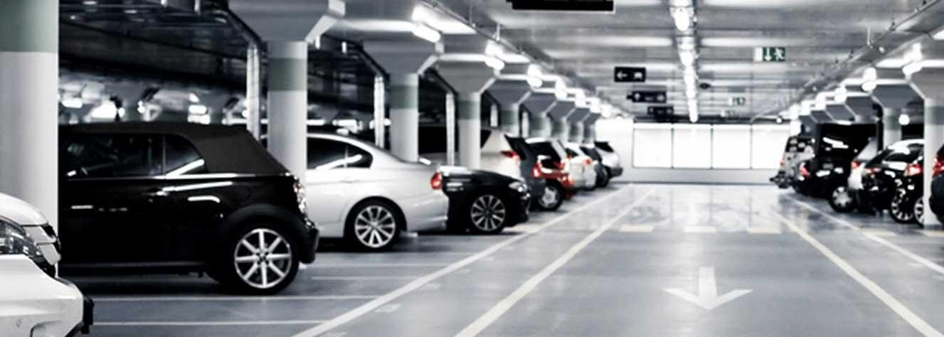 Jak rozwiązać brak miejsc na parkingu za pomocą monitoringu wizyjnego?