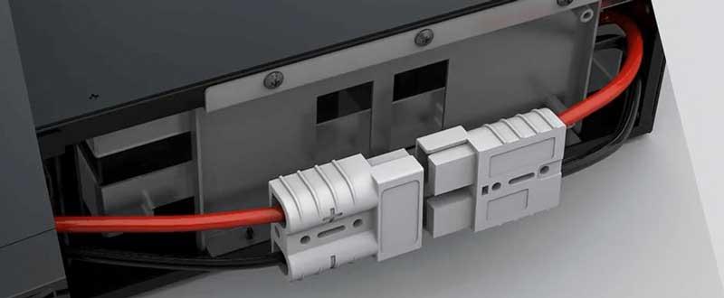Jak dokonać wymiany akumulatorów w zewnętrznym module bateryjnym serii Online S – dotyczy wybranych modeli.